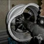 поврежденный литой диск