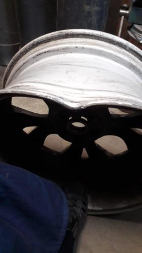 Повреждения диска перед ремонтом - вид сбоку